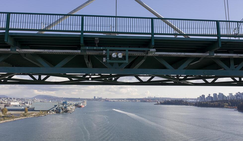 Precision Sector Light PEL-4 installed on the iconic Lions Gate Bridge Vancouver, Canada